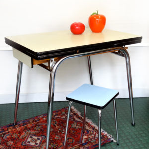 TABLE Vintage Formica