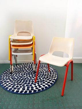 chaise-ecole-empilable