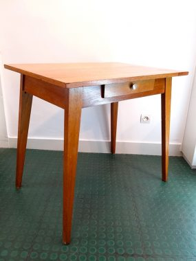 table-bureau-vintage