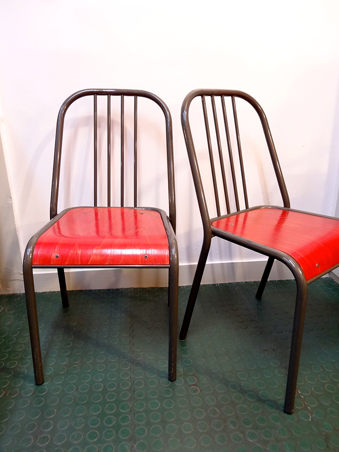 2 chaises assises rouge annees 90 brocnshop for Chaise annee 80