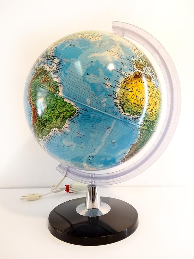 grand globe terrestre lumineux vintage brocnshop. Black Bedroom Furniture Sets. Home Design Ideas