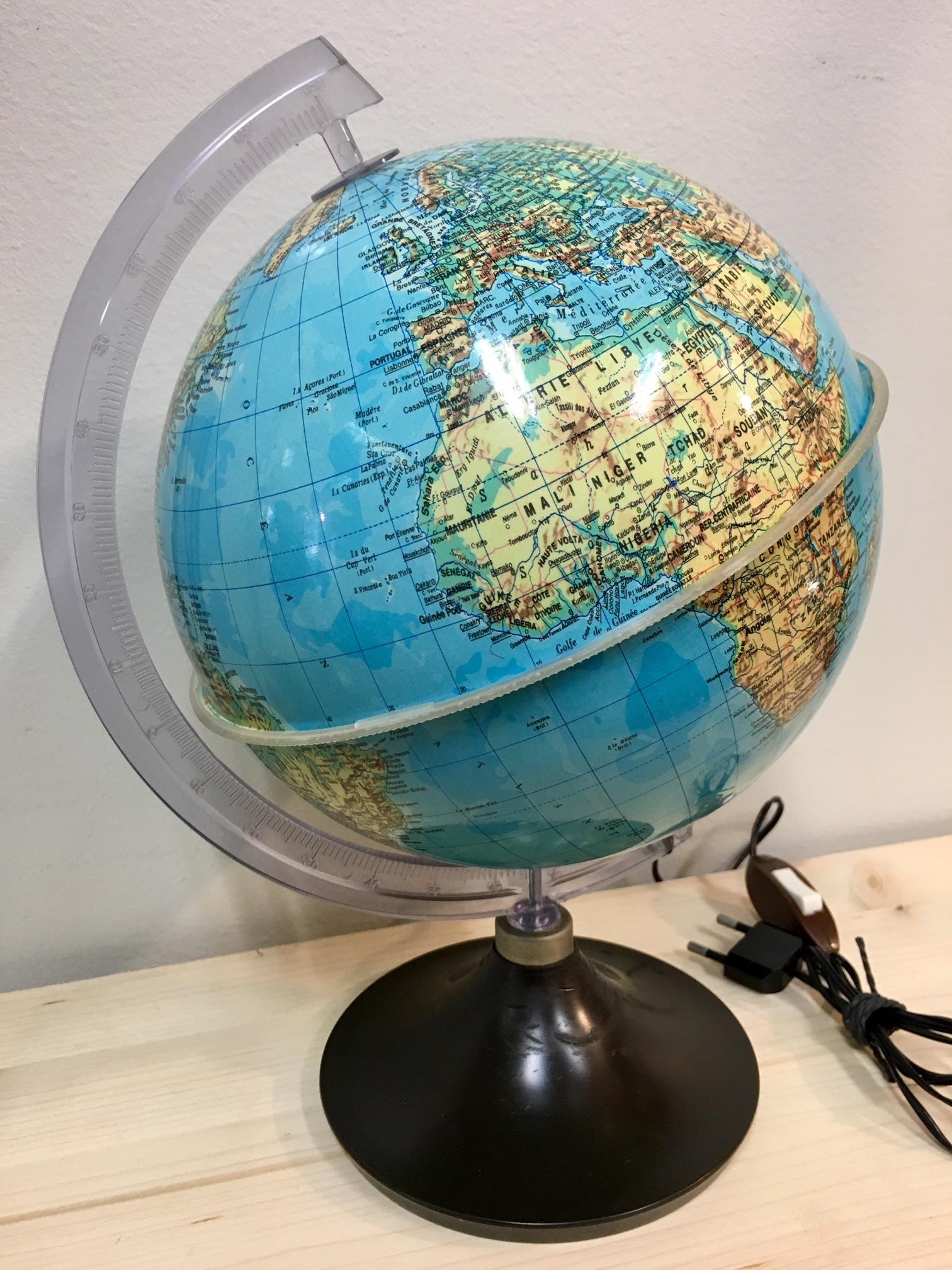 petit globe terrestre lumineux bleu vintage brocnshop. Black Bedroom Furniture Sets. Home Design Ideas