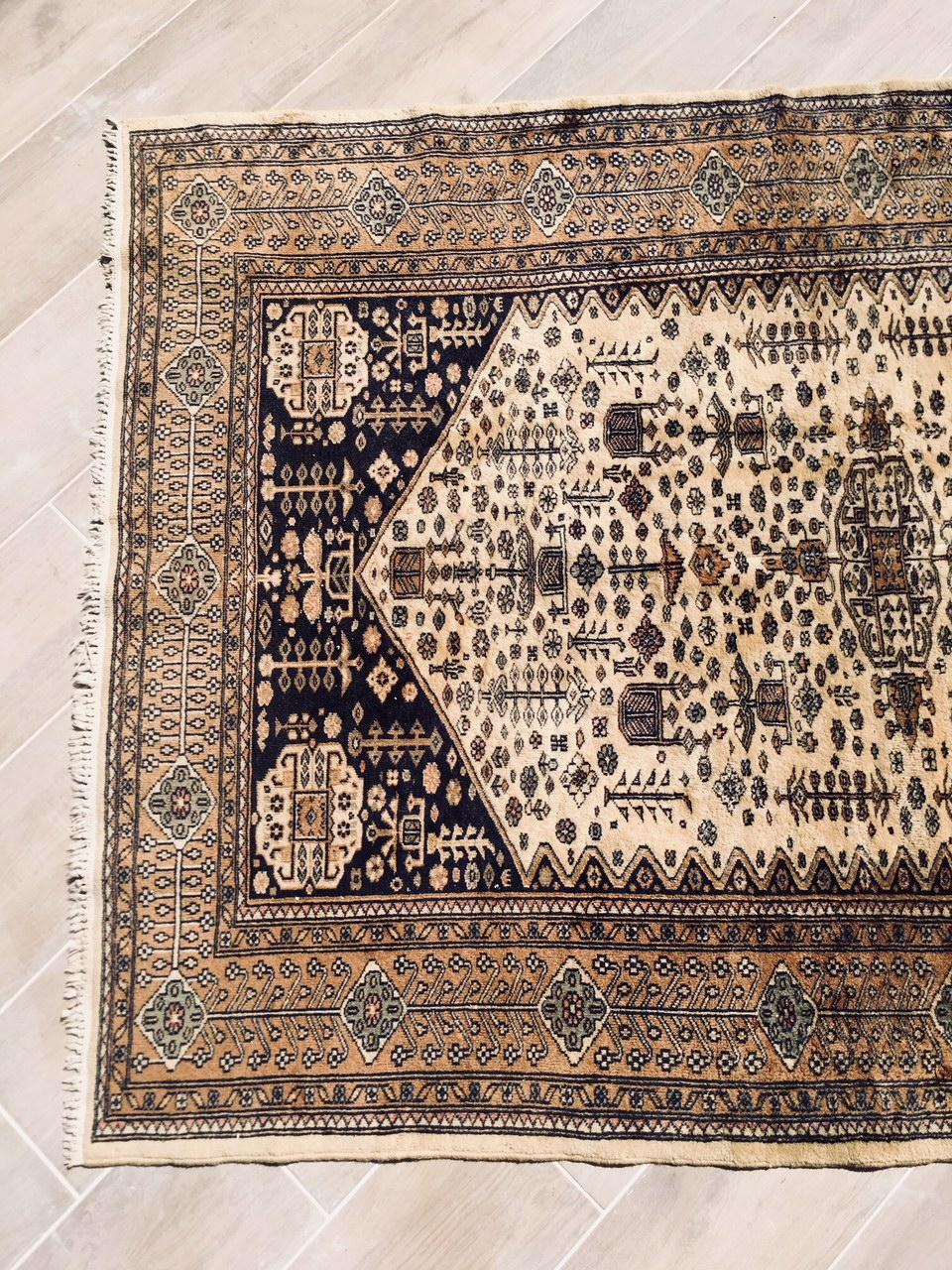 Tapis Persan Ancien 126x178 Cm Brocnshop