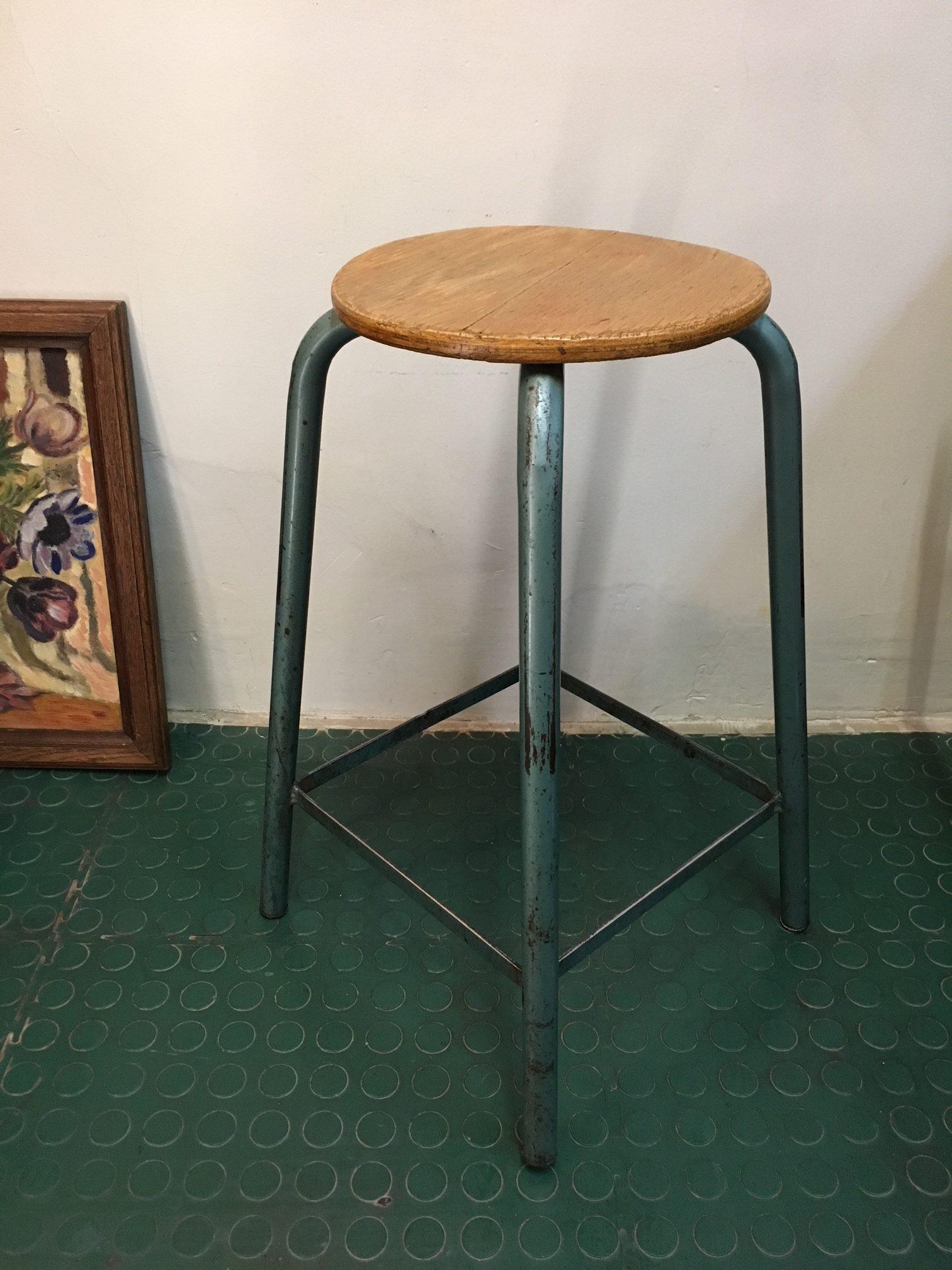 tabouret haut industriel matco vintage brocnshop. Black Bedroom Furniture Sets. Home Design Ideas