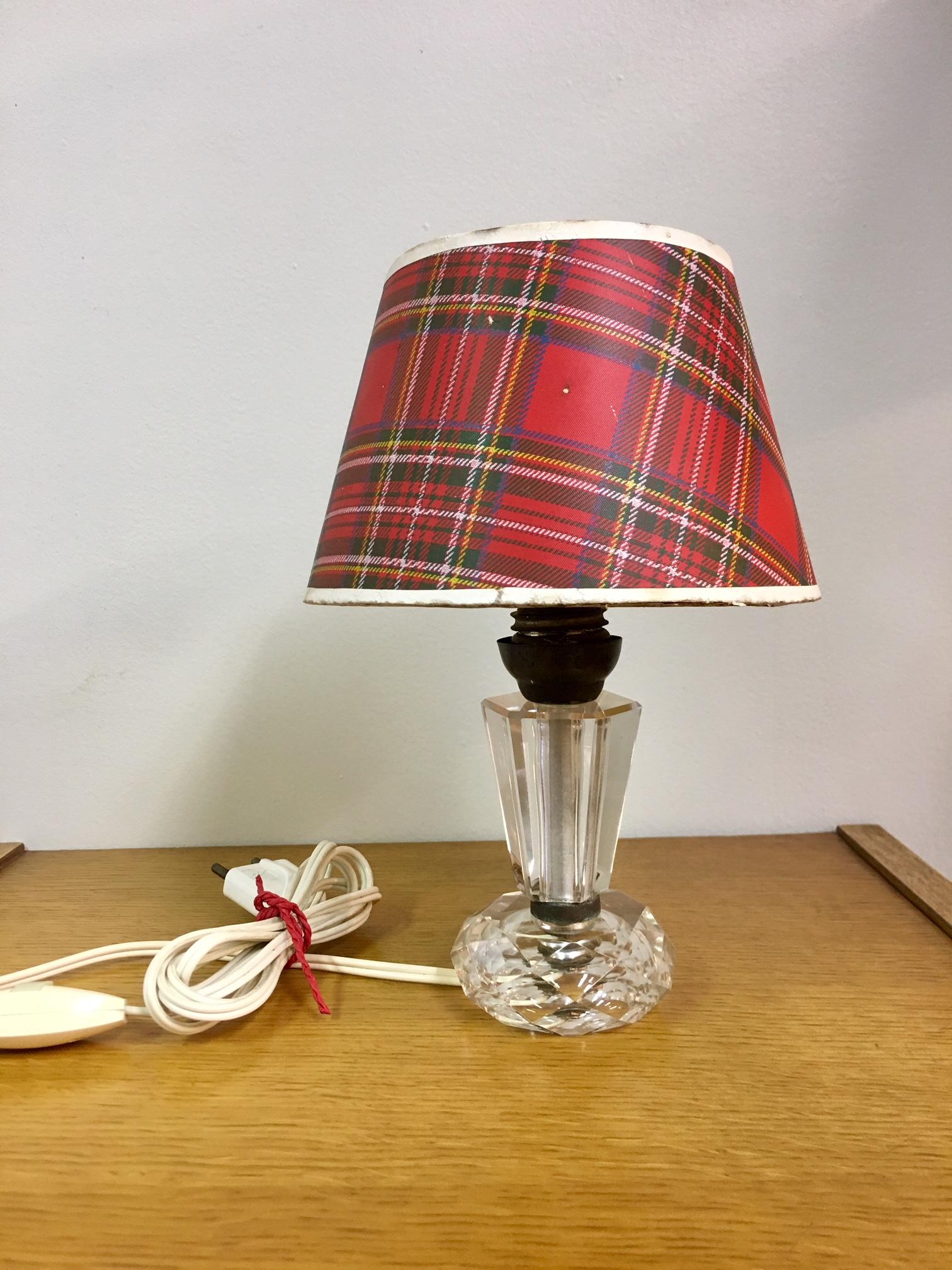 petite lampe cristal art d co brocnshop. Black Bedroom Furniture Sets. Home Design Ideas