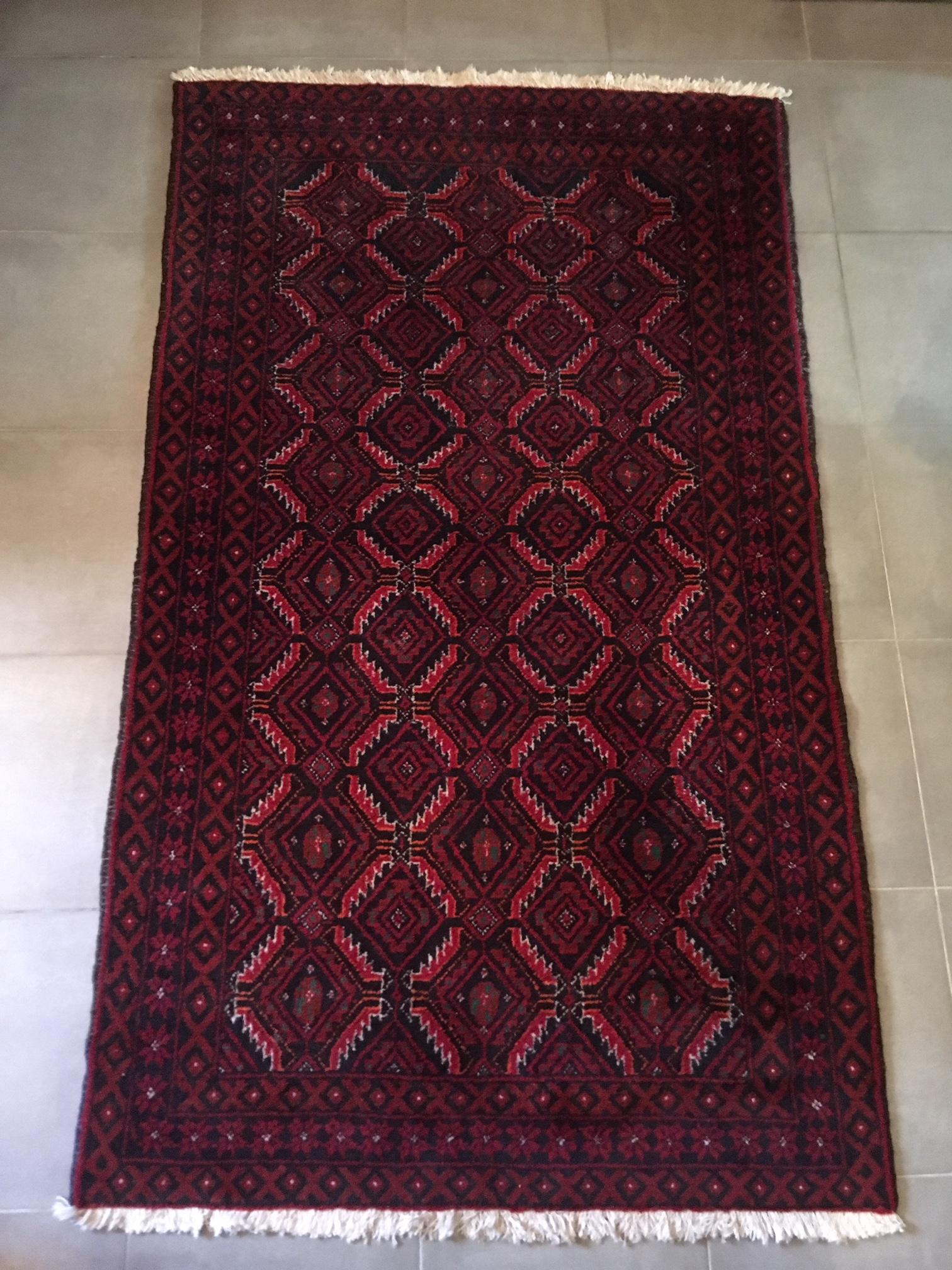Tapis Persan Rouge Et Noir Vintage 95cm X 168cm Brocnshop